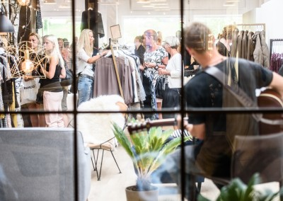 Stemningsbillede fra Fashion Night Out hos Style Vision